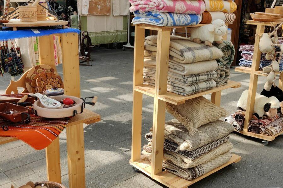 Фирма Блайв търси да назначи човек за почасова рабоtа на Женски пазар – гр София.